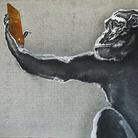 Simone Fugazzotto, A SELFIE A DAY, KEEPS YOUR FRIENDS AWAY, 90 X 30 cm, Olio su cemento | Courtesy of Simone Fugazzotto e Fondazione Maimeri