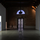 In and out. Estate con Bruce Nauman
