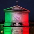 'Illuminata' con il tricolore la Chiesa di San Salvatore in Lauro