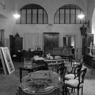 A casa di Philippe Daverio: la biblioteca apre per una mostra-mercato di oggetti antichi