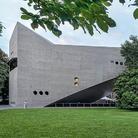La nuova ala del Landesmuseum di Zurigo è stata realizzata dagli architetti Christ & Gantenbein. La collezione permanente è affiancata da mostre temporanee dedicate a temi di attualità.