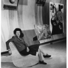 Fotografo sconosciuto, Peggy Guggenheim nella galleria surrealista di Art of This Century New York, 1942ca., Stampa a posteriori, Stampa alla gelatina d'argento | Courtesy of Peggy Guggenheim Collection Archives, Venice