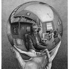 Maurits Cornelis Escher, Mano con sfera riflettente, 1935. Litografia 31 x 21,3 cm - New York, Collezione privata. © The M.C. Escher Foundation, Baarn, Netherlands. M.C. Escher ® is registered trademark of M.C. Escher Foundation