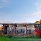 Fondation Beyeler, Basilea. Photo: Mark Niedermann L'edificio della Fondazione, progettato da Renzo Piano, custodisce un'importante collezione di 300 capolavori di arte moderna e contemporanea con opere di Picasso, Monet, Cézanne, Bacon e altri.