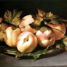 Ambrogio Figino, Piatto con pesche, olio su tavola, 21 x 30 cm. Collezione privata