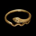 Bracciale in oro a forma di un serpente arrotolato, 1 ° secolo dC, Pompei.