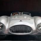 L'auto, la forma e i riflessi
