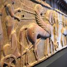 Pompei e gli Etruschi: 800 reperti svelano la storia della città in una Campania multietnica
