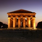 Paestum by night, passeggiando tra i templi