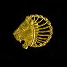 Ornamento a testa di leone con criniera fiammata, VI secolo a.C. circa, Iran occidentale, Oro, 9.4 x 1 x 7.5 cm, Peso 9 gr | Photo © Gianluca Baronchelli