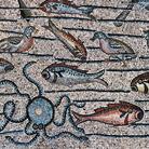 Dal Palazzo di Cnosso a Klimt, il pesce d'aprile nella storia del'arte