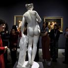 Scolpite. Riflessioni fotografiche intorno alla statuaria femminile