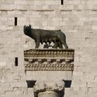 Lupa presso la Piazza Capitolo ad Aquileia, Si tratta di una copia della Lupa Capitolina | Foto: © Gianluca Baronchelli