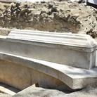 Pompei restituisce la tomba di un illustre personaggio e le tracce dei cittadini in fuga dall'eruzione