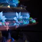 Mat Collishaw, The Centrifugal Soul, 2016, Acrilico, alluminio, acciaio, luci LED, motore, circuito elettronico, resina, vernice, 335 x 335 x 180 cm | Courtesy of l'artista e Blain Southern | Foto: Peter Mallet, 2017