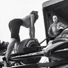Inediti di Helmut Newton per i 50 anni del Calendario Pirelli