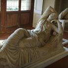 La grande statua di Arianna Addormentata torna agli Uffizi con un ingresso spettacolare