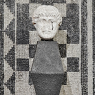 Francesco Vezzoli, La colonne avec fin, 2021 | Foto: © Alessandra Chemollo | Courtesy Fondazione Brescia Musei