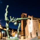 Sculture monumentali in Versilia: esordio di Sauro Cavallini a Pietrasanta
