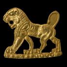 Laminetta raffigurante un leone incedente, Fine del VI - inizi del V secolo a.C., Iran nordoccidentale, Oro, 2 x 1,8 cm, Peso 75 gr | Photo © Gianluca Baronchelli