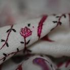 Adam St Clair. KASHMIR: conflict and stitchery KASHMIR: conflitto e lavoro ad ago. Mostra di fotografia e cultura materiale tessile