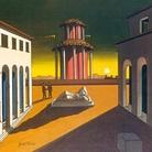 Giorgio de Chirico, Piazza d'Italia (1954-55), olio su tela, cm 40 x 50. © Courtesy Galleria d'Arte Maggiore G.A.M., Bologna.