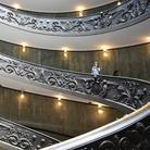 Una nuova illuminazione, visite <i> by night </i> e due capolavori che svelano l'ultimo Raffaello: riaprono i Musei Vaticani