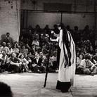 Riapparizioni - corpi, gesti e sguardi dai palcoscenici della Biennale. Album '34 - '76