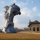 Sculture monumentali e figure che si sciolgono. A Firenze il nuovo rinascimento di Urs Fischer