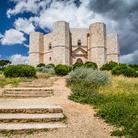 Viaggi d'arte - I misteri di Castel del Monte, il fiore di pietra voluto in Puglia da Federico II