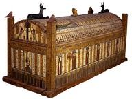 immagine di Mummia di Usai e corredo funerario