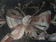 immagine di Gallerie Lapidarie, il fiocco annodato da secoli