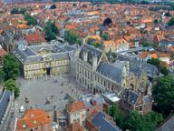 immagine di Piazza Burg e Municipio