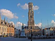 immagine di Piazza del Mercato (Markt) e Torre Civica (Belfort)