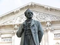 immagine di Monumento ad Alessandro Manzoni