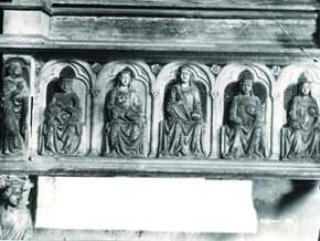 immagine di Sepolcro di Maria Valois e Sepolcro di Carlo duca di Calabria