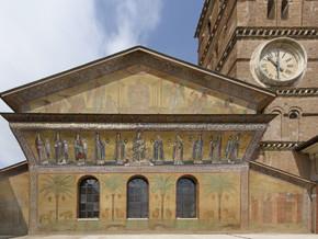 Restaurata la facciata della basilica romana