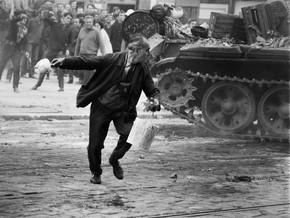 A 50 anni dallo strappo all&rsquo;URSS, una mostra fotografica ne rievoca gli eventi<br />