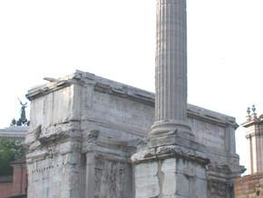 immagine di Piazza del Foro e Colonna di Foca