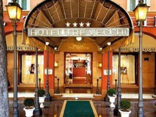 Zanhotel tre vecchi a bologna albergo itinerari for Albergo orologio bologna