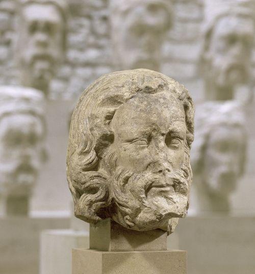 Testa di uomo barbuto, da Notre-Dame de Paris, 1250-1258, musée de Cluny - musée national du Moyen Âge, Parigi