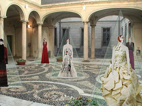 mostra pentatonia palazzo morando costume moda