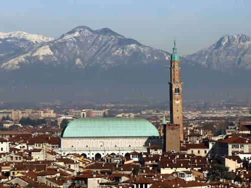 La Basilica Palladiana nello skyline di Vicenza | Foto: ChiccoDodiFC