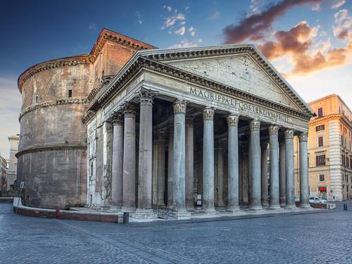 Il Pantheon di mattina, Roma   Foto: Phant