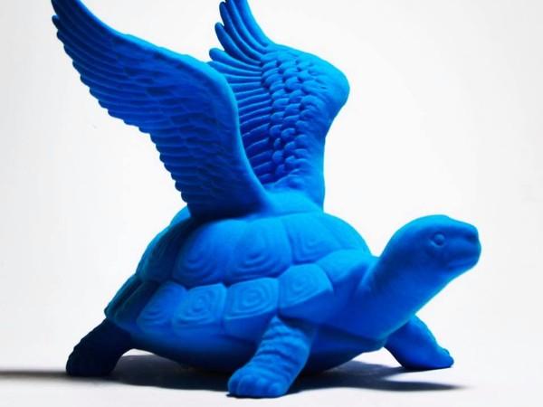 Ralph Hall, <em>Blue Turtle</em>, 20 x 30 x 20 cm, Ceramica floccata, 2017