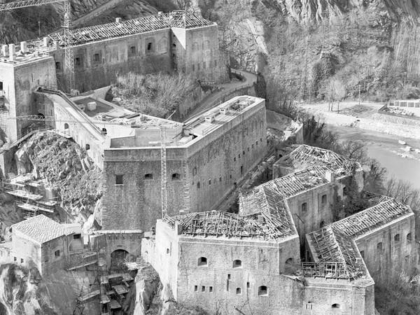 <em>Storia di un'avventura. Forte di Bard 1999-2019 - Fotografie di Gianfranco Roselli</em>