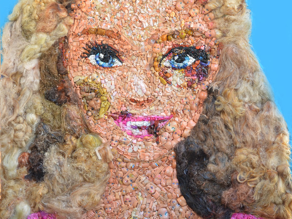 Lady Be,Barbie Tumefatta, 2016. Oggetti e resina su tavola, cm. 97x114