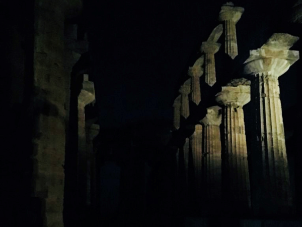 Parco Archeologico Paestum, notturna