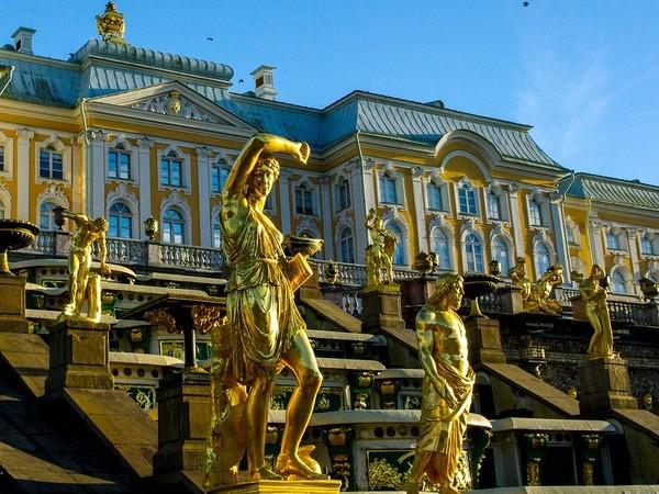 Il 27 maggio 1703 iniziavano i lavori per la costruzione della città voluta da Pietro il Grande