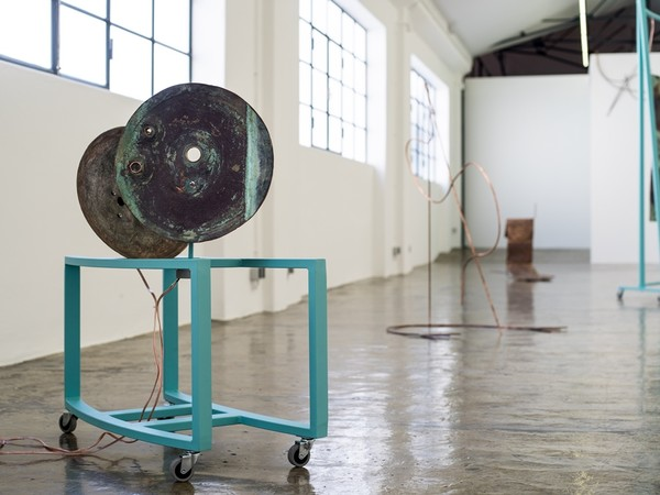Andreia Santana, Rumble Strip (3), 2019. Iron structure and copper (sonorized piece), 80x120x40 cm.